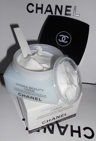 0d547c1f88874 So for the past few months I have been using the CHANEL Hydra Beauty Creme  as my new moisturiser as I felt my skin was slowly changing from very ...